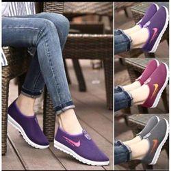 Giày vải cho nam và nữ