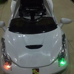 Xe ô tô điện cho bé tự lái có Remote cho người lớn điều khiển giá sỉ