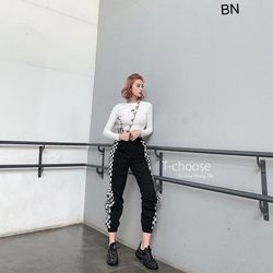 set bộ đồ nữ đẹp chất cá tính dễ thương giá rẻ áo body quần jogger caro BN 67651 giá sỉ, giá bán buôn