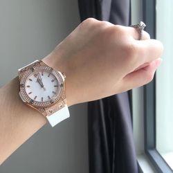 Đồng hồ nữ Hublot dây silicon cao cấp giá sỉ