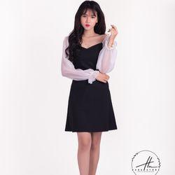Đầm bánh bèo đen phối tay trắng