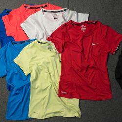 Áo thể thao nữ - chuyên sỉ quần áo thể thao nam nữ 911 giá sỉ