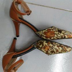 Giày hoa 4 mùa