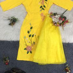 Set áo dài lụa Nhật vàng đính hoa nổi giá sỉ