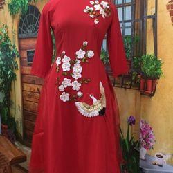 Áo dài cách tân thêu ruybang hoa voan