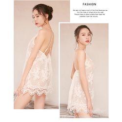 Váy ngủ ren thêu hoa nổi màu trắng sang chảnh giá sỉ, giá bán buôn