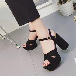 Giày sandal gót trụ 12p giá sỉ