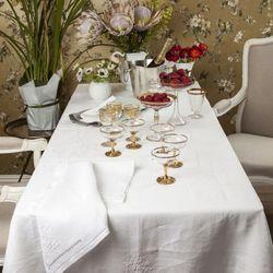 Khăn trải bàn bằng linen vải lanh thêu tay chuẩn Châu Âu giá sỉ, giá bán buôn