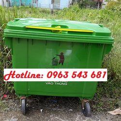 Xe gom rác 660l màu xanh nhựa HDPE xe rác công cộng 660l 4 bánh xe giá sỉ