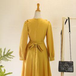 Đầm vàng cột eo giá sỉ