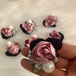Cài áo hoa hồng giá sỉ