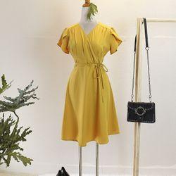 Đầm xuông vàng giá sỉ