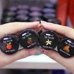 Tẩy tế bào chết môi Beauty Treats Lip Scrub giá sỉ