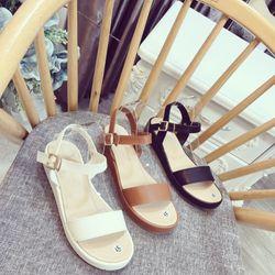 Giày sandal bánh mì bảng siêu xinh giá sỉ