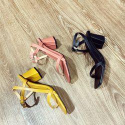 Giày sandal đế vuông 2 quai giá sỉ