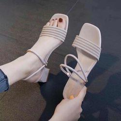 Giày sandal gót vuông đi được 2 kiểu giá sỉ