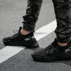 Giầy thể thao Sia Sneaker màu đen - đỏ