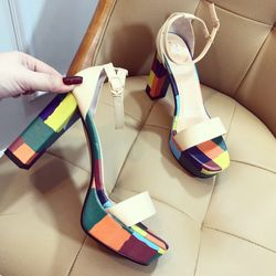 Giày sandal đế to bản ngang màu sắc T sang ngang trẻ trung giá sỉ