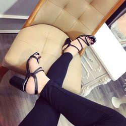 Giày sandal dây ống gót vuông cao 7f giá sỉ