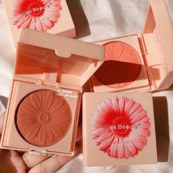 Má hồng bông hoa về 4 màu