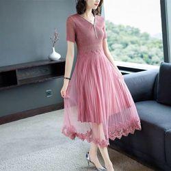 Đầm ren xuyên thấu dáng dài giá sỉ