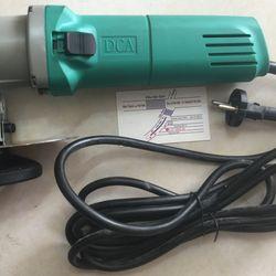 25mm Máy cắt tôn 710W DCA AJJ25 giá sỉ