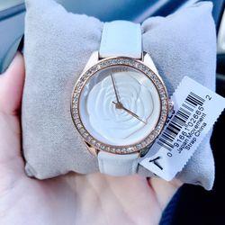 Đồng hồ nữ gessvc giá sỉ