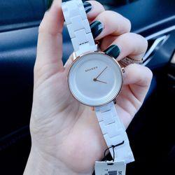 Đồng hồ nữ guesz giá sỉ
