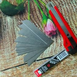 Dao rọc giấy cỡ lớn tặng kèm 2 lưỡi dao