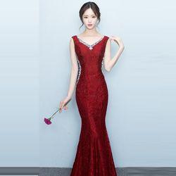 Đầm Đỏ Đô Dự Tiệc Ren Lót Kim Tuyến Đính Đá Cổ Tim giá sỉ