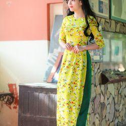 Áo dài truyền thống lụa tơ vàng hoa nhí giá sỉ