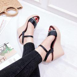Giày sandal đế xuồng cao 9f giá sỉ, giá bán buôn