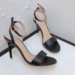 Giày sandal cao gót viền bi giá sỉ