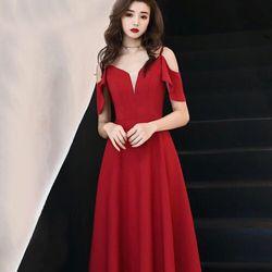 Đầm dáng xoè màu đỏ giá sỉ