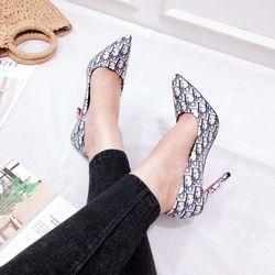 Giày cao gót 9p lót đỏ siêu sang chảnh