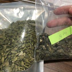 Nhân hạt bí xanh bao và thùng 25kg giá sỉ
