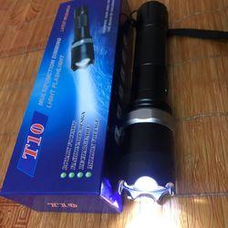 Đèn pin T10
