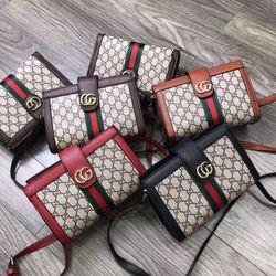Túi Gucci 2 ngăn khóa