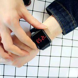 Đồng hồ led giá sỉ