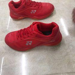 giày cầu lông Yonex giá sỉ, giá bán buôn