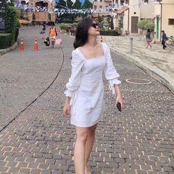 Đầm trắng trễ vai nhún A035
