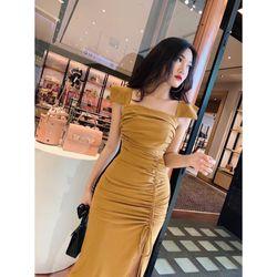 Đầm body xẻ tà cổ vuông A036