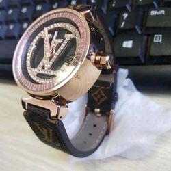 Đồng hồ nữ dây da giá sỉ giá sỉ