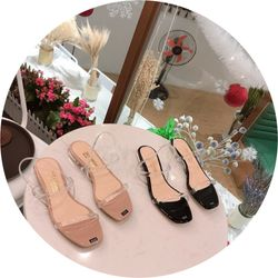 Giày sandal dây trong suốt