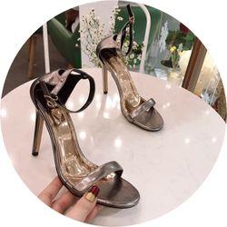 Giày sandal cao gót ngọc trinh