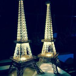 Tháp Eiffel gỗ trang trí nhà đẹp lung linh giá sỉ