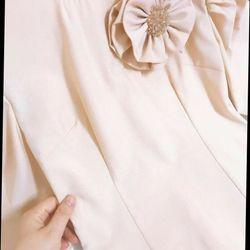 Set áo dài thiết kế kèm hoa
