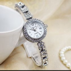 Đồng hồ nữ Kingnuos cao cấp dây thép không gỉ giá sỉ