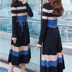 Đầm len xoè phối màu po giá sỉ