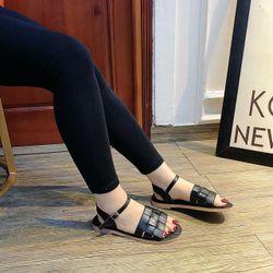 Giày sandal bản da độc đáo siêu êm